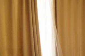 遮光カーテンの特徴と選び方